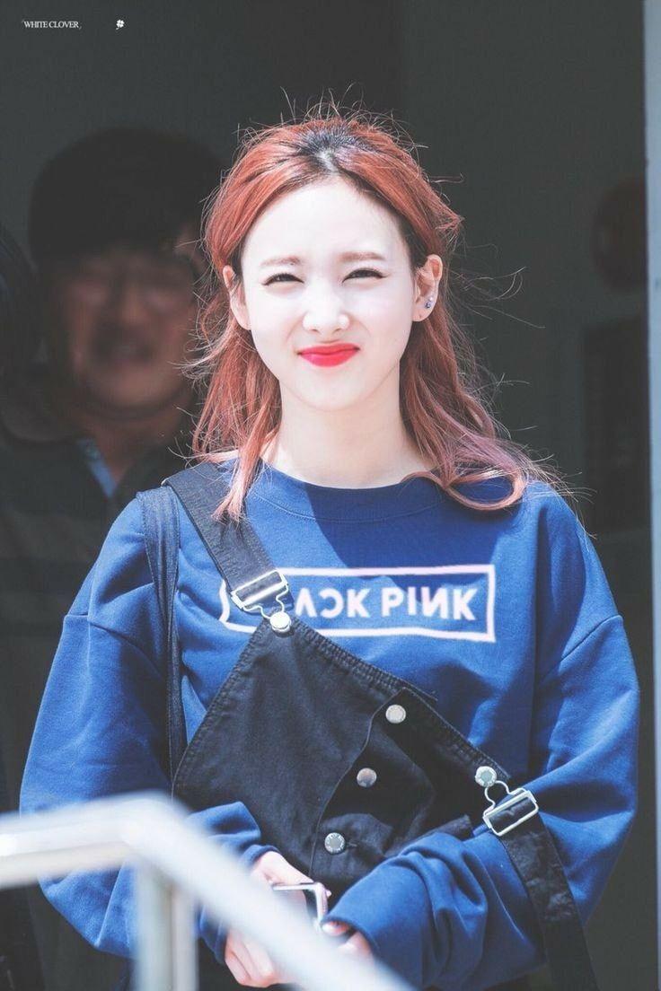 Pin By Ebba H On Im Nayeon Nayeon Twice Kpop Girls Nayeon