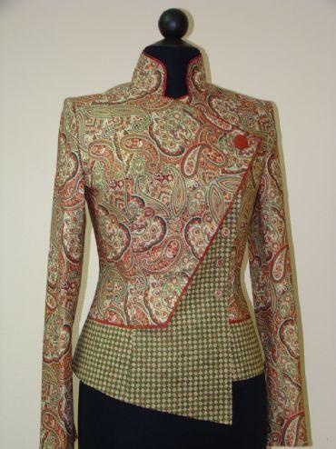 Индивидуальный пошив предметов женского гардероба , костюмы для театра, различных шоу-программ. Пошив: шубы, куртки из меха, кожи, дубленки, пальто, плащи, брюки, юбки, жилеты, блузы,. Ремонт одежды любой сложности . Реставрация изделий из меха, кожи, трикотажа, бархата, шифона, и т.д. Замена подкладки, молний, фурнитуры. Перекрой и подгонка по фигуре любых изделий .И многое другое. tel. 073 956 6483 Elena( kallhälll)