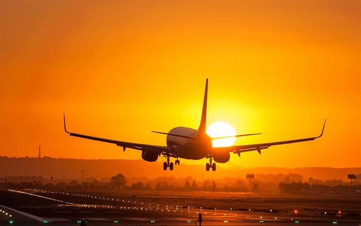 Scarica sfondi aereo passeggeri, il tramonto, la pista, i viaggi in aereo