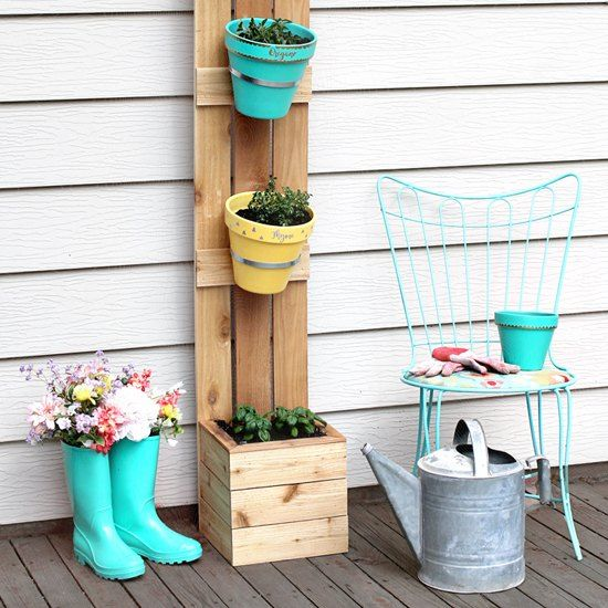 I wanted a place on my patio where I could grow a small herb garden, so I drew up some plans, went shopping at my local Home Depot and my husband helped me buil…