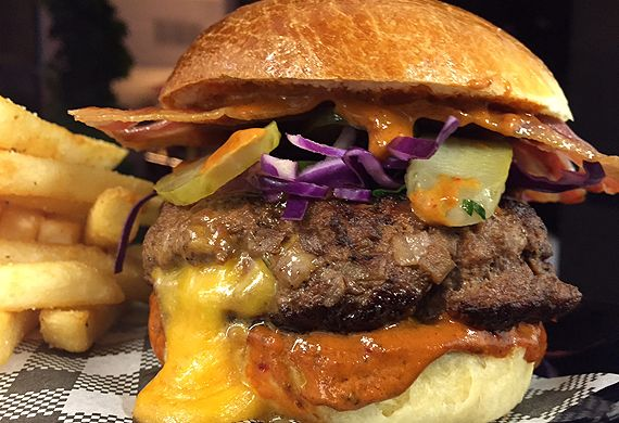 Rhonda's mountain burger with fresh-baked buns recipe - 9Kitchen