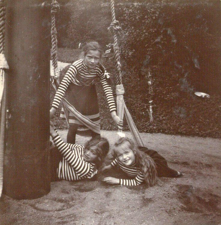 Tatiana, Maria and Anastasia Nikolaevna in Krasnoye Selo, 1907