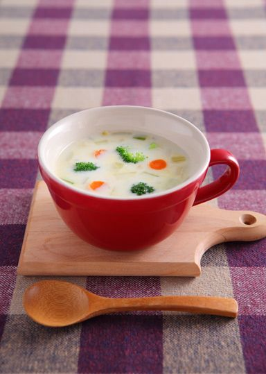 野菜たっぷりクリームチャウダー のレシピ・作り方 │ABCクッキング ... 特産のミニキャロット・セロリ・ブロッコリーがたっぷり入ったクリームチャウダーです。食感が残るよう煮込まず調理をするため、簡単かつ満足感のあるスープです。