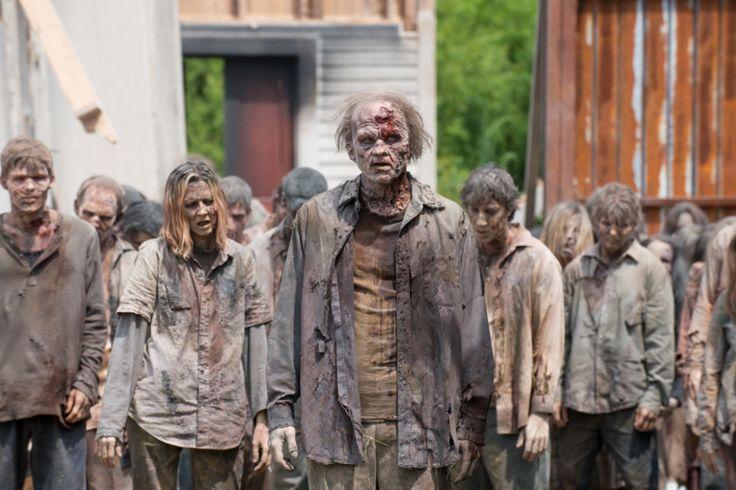 """¿Qué haría el Gobierno de España si alguna vez llega un """"apocalipsis zombi""""? Puede que tú nunca te lo hayas planteado, pero Carles Mulet García, senador de C..."""