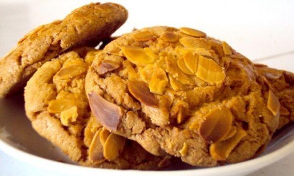 Συνταγή για τα πιο νόστιμα νηστίσιμα αμυγδαλωτά - http://www.daily-news.gr/cuisine/sintagi-gia-ta-pio-nostima-nistisima-amigdalota/