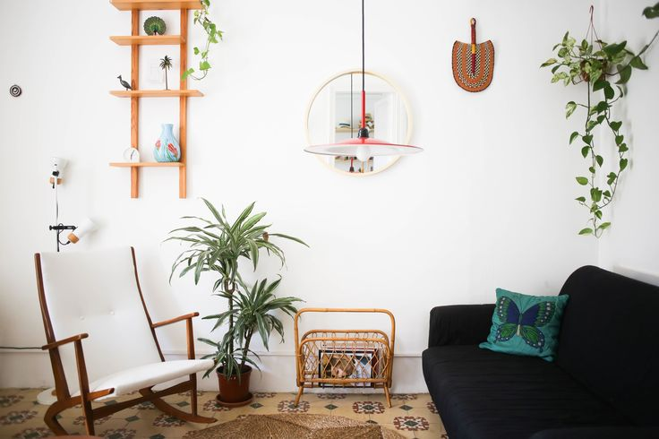 Tropical Vibes in a Sunny Barcelona Apartment — House Tour