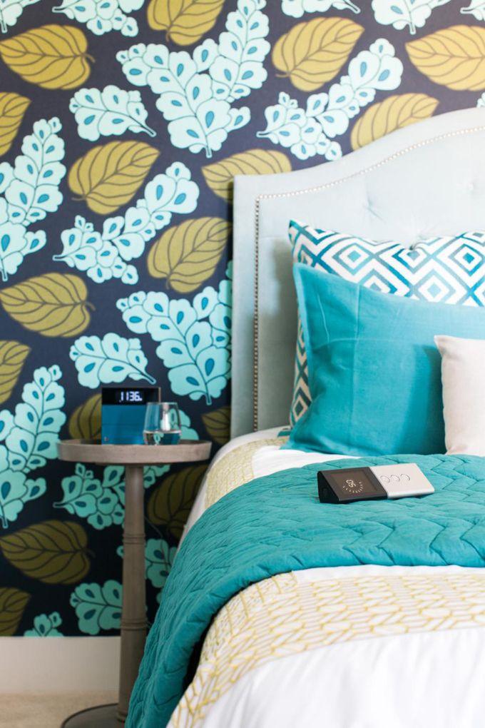 Best Love The Navy Aqua And Gold Wallpaper With Aqua Bedding 640 x 480