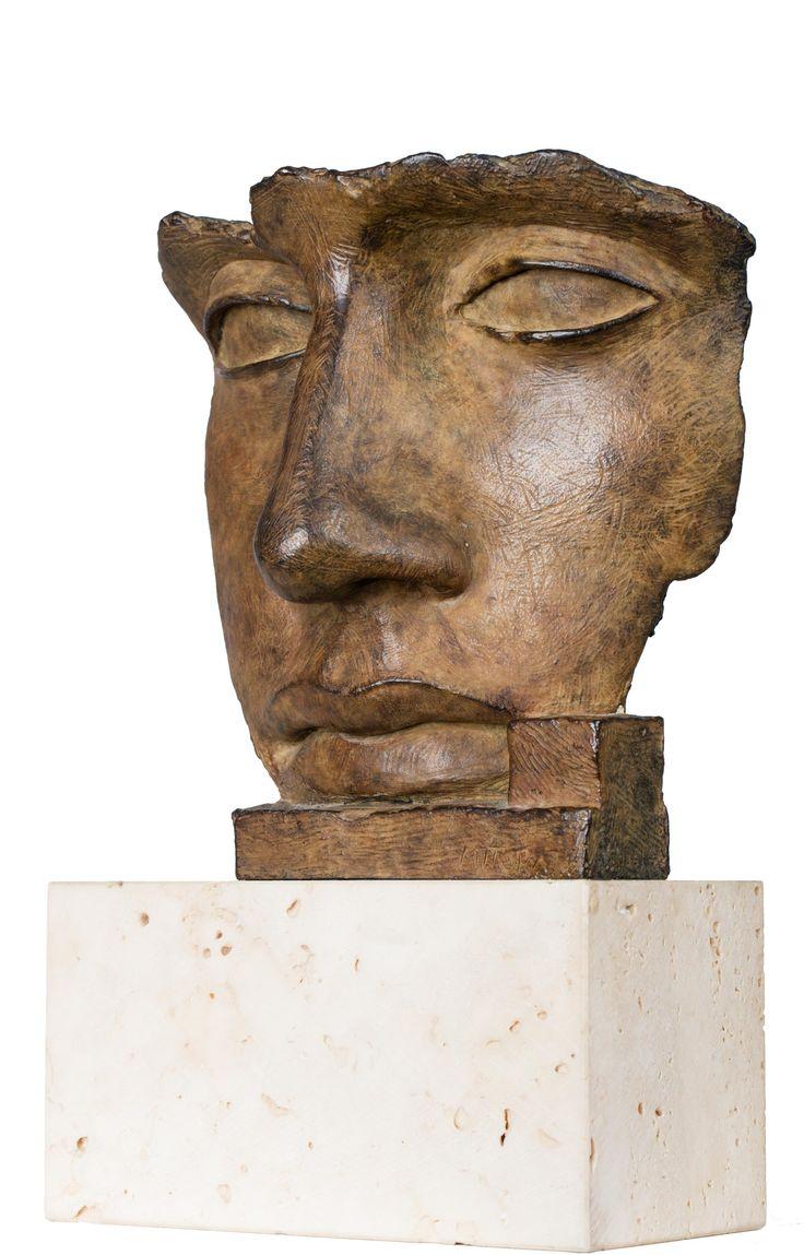 IGOR MITORAJ (1944 - 2014)  PER ADRIANO   brąz, odlew / 16 x 15 x 8 cm  sygn.: MITORAJ 92 ed. H.C. 35/150