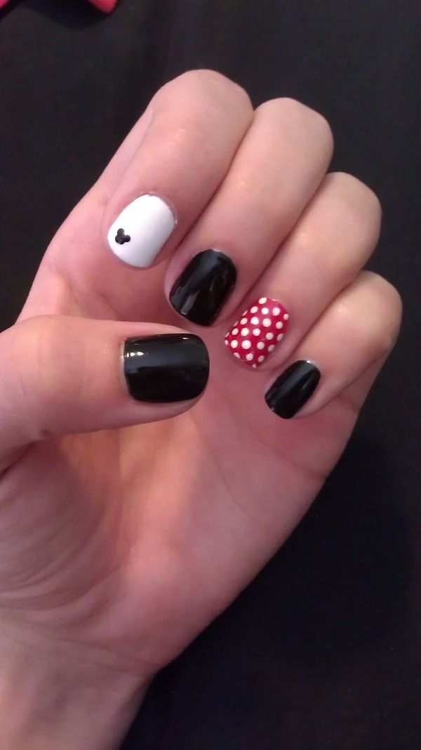 Disney Mickey and Minnie Nails. I'd   definitely just do black land white. Nothing this way.
