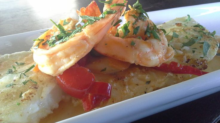 Merluza Negra y salteado de Camarones     Sin lugar a duda es uno de los pescados más nobles,tanto como alimento su versatilidad y sabor,...