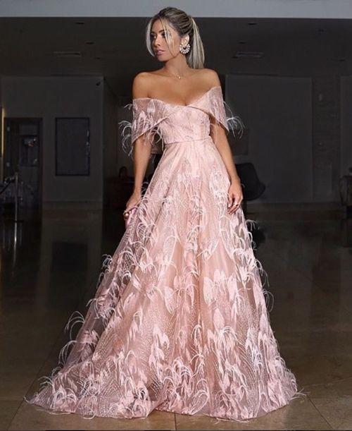 OS VESTIDOS DO CASAMENTO DE LAYLA MONTEIRO E WILLIAN | Dresses, Fashion dresses, Lace evening gowns