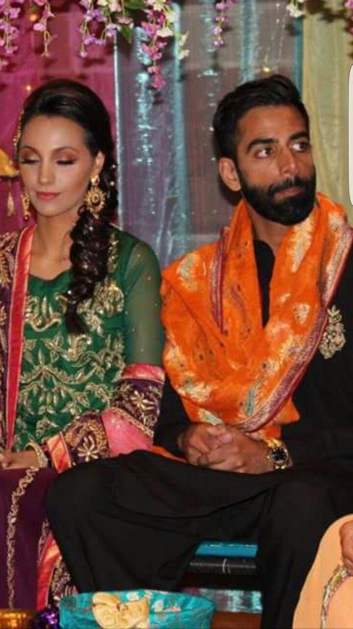 Mehndi time for jan and sanna