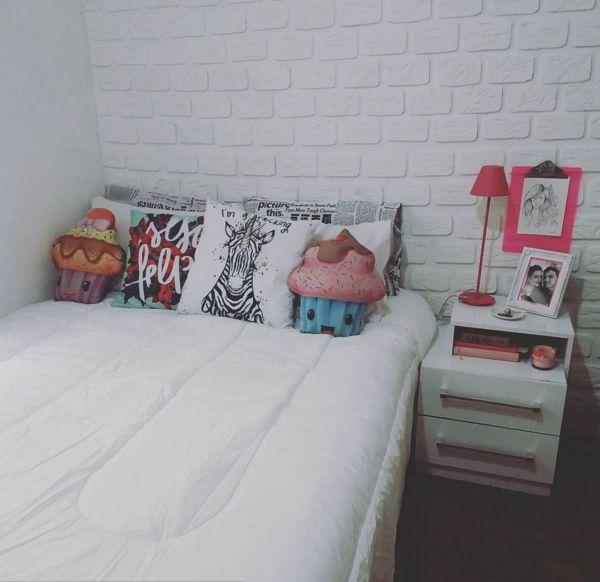 Parede de tijolinhos feita em casa, super barata e simples.