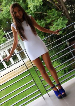 adorable: Minis Dresses, Dresses Shoes, Cobalt Blue, Outfit, Dresses Blue, Blue Shoes, Blue Heels, The Dresses, Little White Dresses