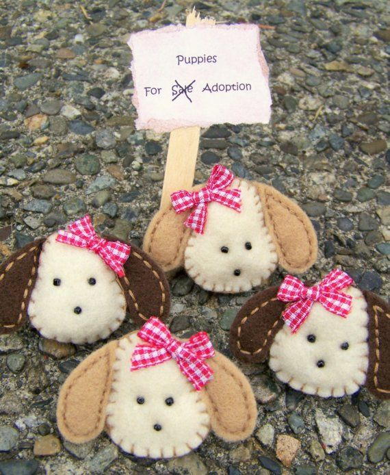 Our girls puppy dog hair clips are completely hand stitched with quality felt & securely stitched beads. Puppies measures 1.5 x 1.5 and are firmly