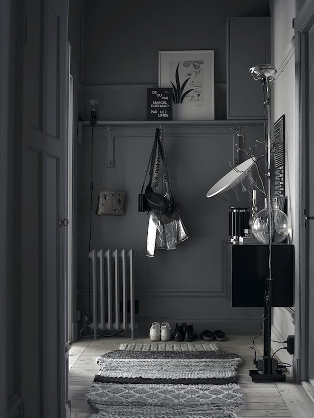 The cosy cocoon-like Swedish home of Lotta Agaton. Photos: Pia Ulin.