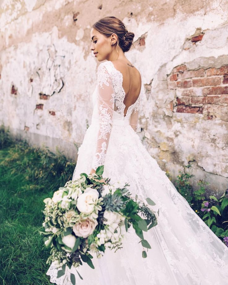 4617d5eb62df6 Pin by emily on + wedding dresses in 2019 | Wedding dresses, Wedding ...