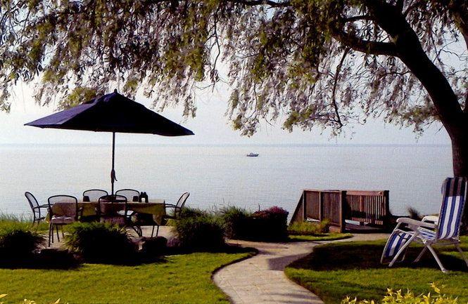 Lakeside living (along Lake Erie)