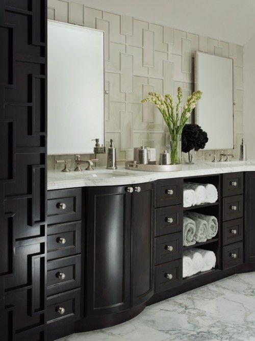 light walls/dark vanity bathroomBathroom Design, Bathroom Vanities, Black Cabinets, Interiors Design, Bathroomdesign, Bathroom Ideas, Bathroom Cabinets, Contemporary Bathroom, Master Bathroom