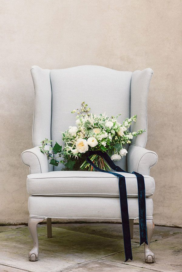 White and blue inspired wedding florals.