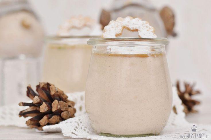 Hier ist ein sensationelles Rezept von Panna Cotta mit Marzipan und Zimt. Gerade jetzt in der Vorweihnachtszeit schmeckt dieses am Besten. Hier gehts lang: