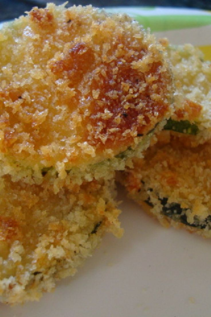 Baked Zucchini Parmesan Crisps: easy 3 ingredient #recipe