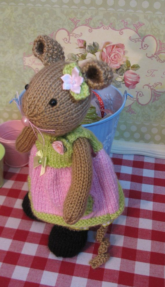 Minnie May    Handknitted mouse doll