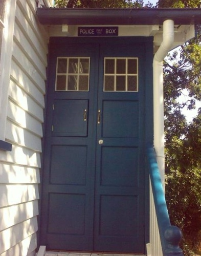 My husband would never let me and my neighbors would think I was nuts but I want a Tardis front door. & 21 best Tardis and front door images on Pinterest | Blue doors ...