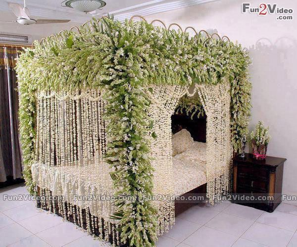 decoration marriage bed. Click through to find oh so pretty bedroom decorating ideas for girls of  all ages 45 best Wedding Bed Decoration images on Pinterest Romantic