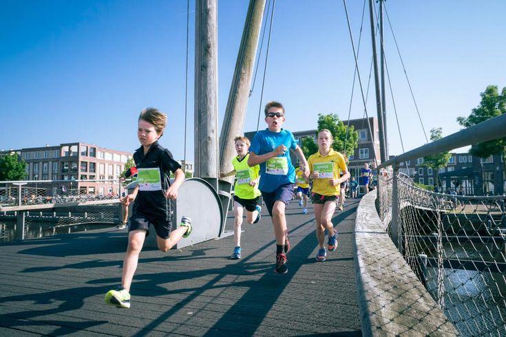 Aanstaande zondag staan er op het Eemplein weer bijna zo'n zesduizend deelnemers aan de start van de Marathon Amersfoort. Het is de zevende keer dat de populaire stadsmarathon wordt georganiseerd.