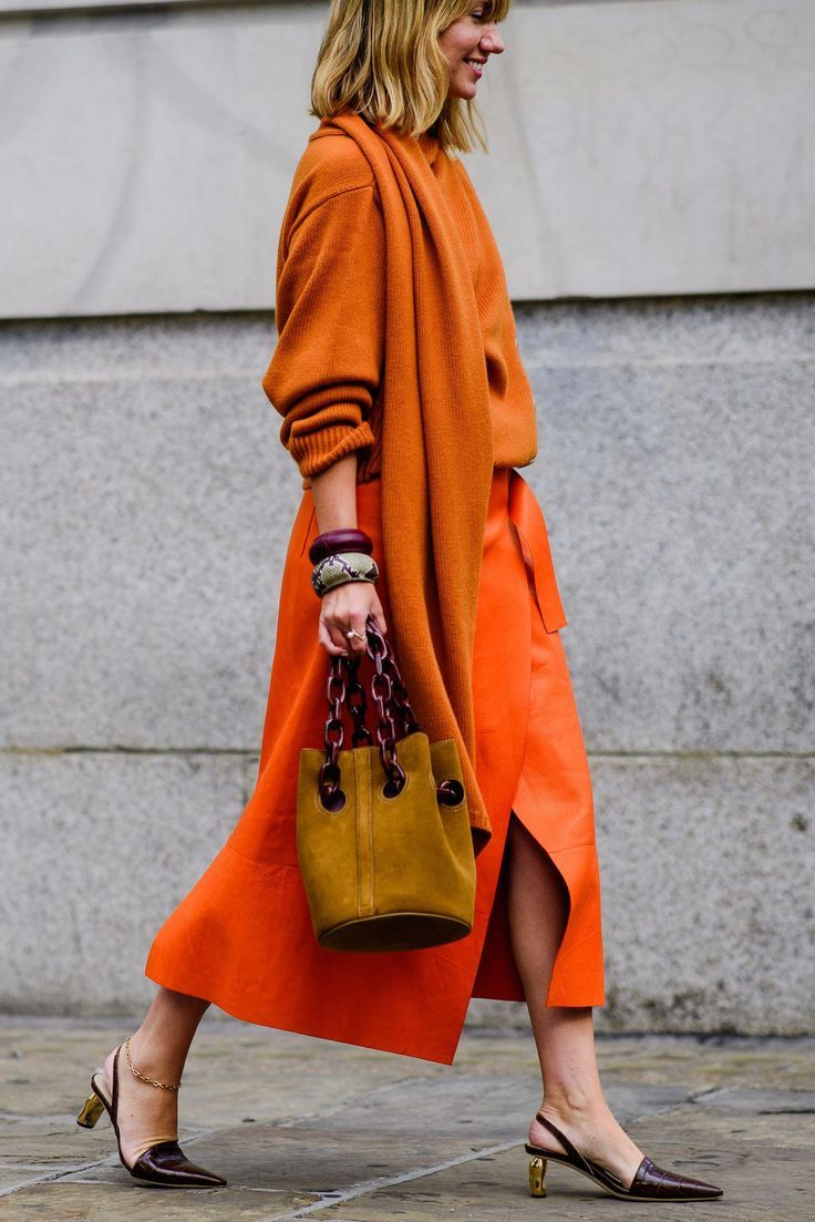 Winning Street Style From London Fashion Week Spring 2019- HarpersBAZAAR.com #beststreetfashion