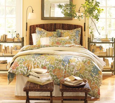 hawthorne yellow bedroom.Guest Room, Wall Colors, Moore Hawthorne, Guest Bedrooms, Master Bedrooms, Painting Colors, Benjamin Moore, Pottery Barns, Hawthorne Yellow