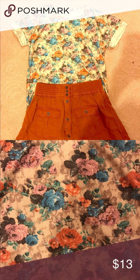 Wallpaper watercolor Floral Tee Shirt NWOT This vintage style tee shirt features an all-over muted flower print that looks straight out of a watercolor painting! Pairs beautifully with skirts, jeans, shorts...anything! Bought from a boutique, NWOT, tagged for exposure. Anthropologie Tops Tees - Short Sleeve