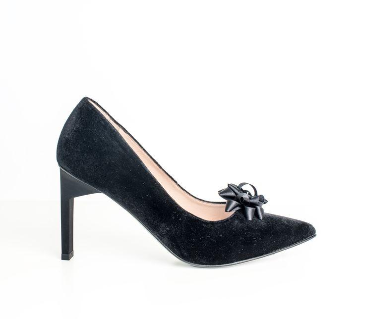 Shoe love! black high heels from www.since.no