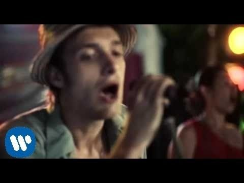 Paolo Nutini - Candy (Video)  Ahhhhh love it :-)  reminds me of nicer times though