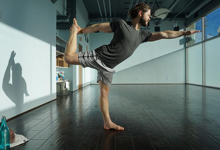 5 Essential Yoga Poses for Men : Triangle Pose   Bicycling
