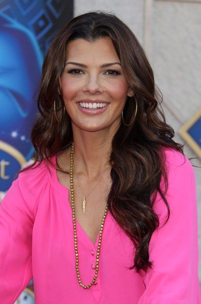 Top 10 Celebrity Brunette Hairstyles of 2010: Celebrity Brunettes, Ali Landri, Brunettes Hairstyles, Tops 10, Pink Tops, Brunette Hairstyles, Hair And Beautiful, Wavy Hairstyles, 10 Celebrity