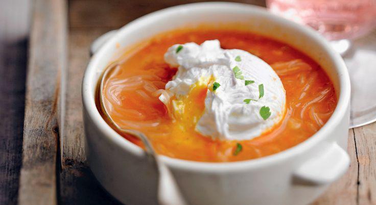 Recette de soupe de tomate à l'oeuf poché