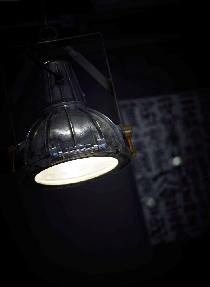 22 Ships Lamp