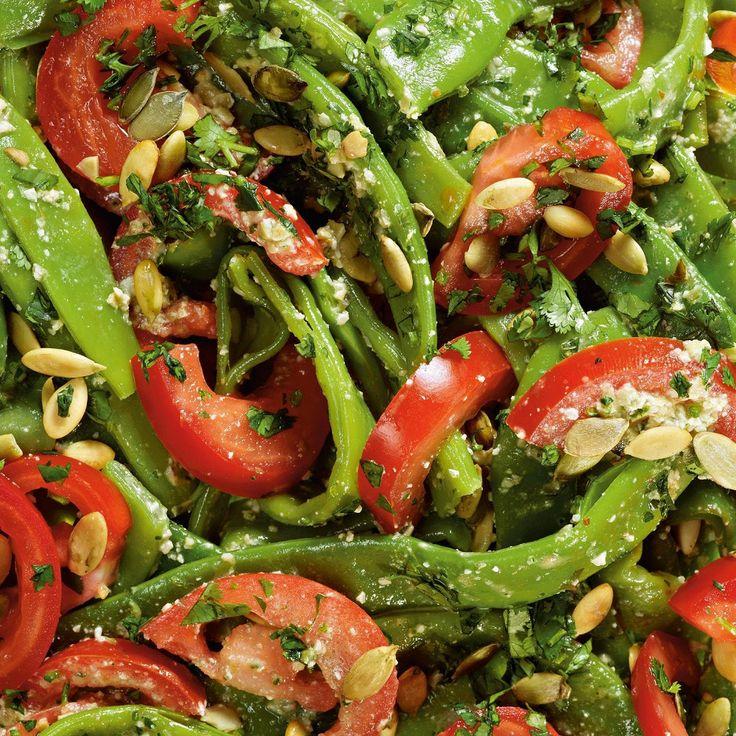 Зеленая фасоль с песто из тыквенных семечек
