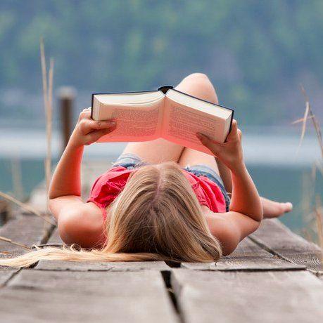 """Привет-привет! Лайк, если ты любишь читать что-то помимо комментариев к своим фото. Мы сейчас про бизнес-книги... Открываем """"Пост советов"""". Книги, которые рекомендуешь ТЫ! Поделись пожалуйста, чего почитать, чтобы делать деньги ещё эффективнее. Вот список от наших друзей-знакомых:  """"Разбуди в себе исполина"""" Энтони Роббинс """"Подсознание может все"""" Джон Кехо. """"Будь лучшей версией себя"""", """"Думай,как миллионер"""" Харв Экер. """"Трансерфинг реальности"""" Вадим Зеланд """"Пять языков любви"""" Гэри Чэпмэн """"Книга…"""