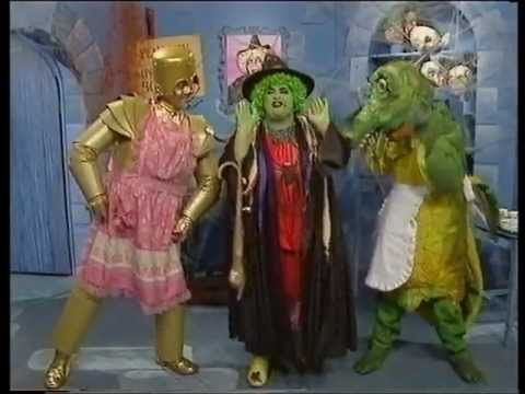 Grot bags and helpers in Rod Hull and Emu show