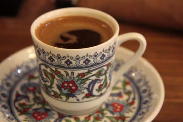 NA TAZZULELLA 'E CAFÈ! Perchè, come dicono a Istanbul, una tazza di caffè porta quarant'anni di amicizia!