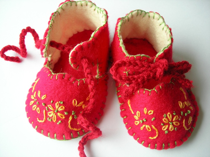 Felt and leather baby booties. Red. Embroidered. 3 to 6 Months. Hand Crafted.. £15.95, via Etsy.