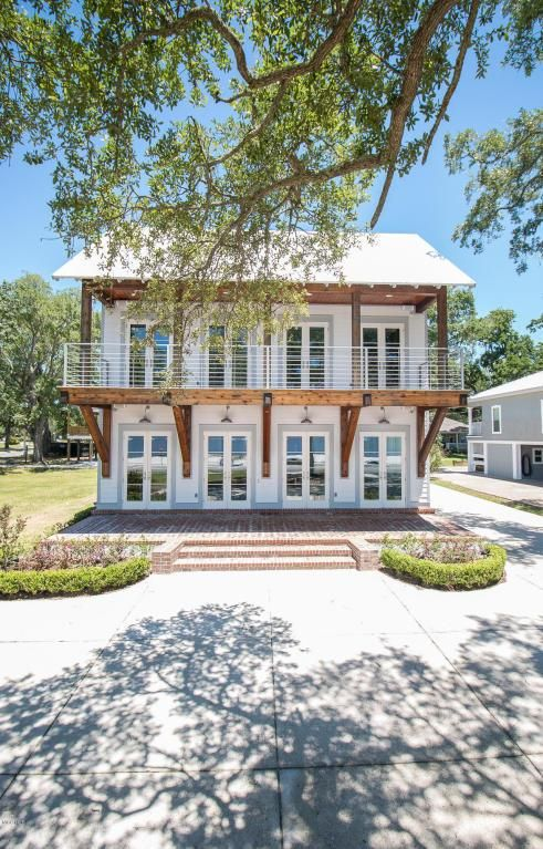 2536 Beach Blvd Biloxi MS 39531 Price 745000 3100 SqFt 3 Beds 35 Baths Stunning Front Home In With Two Master Suites Study Living