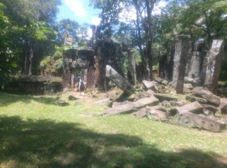 Koh ker temple Kimcambodiadriver.com