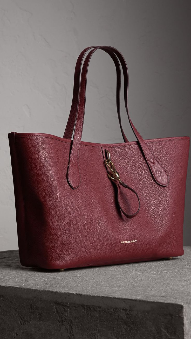 Bolso tote mediano en piel granulada (Rojo Caoba) | Burberry
