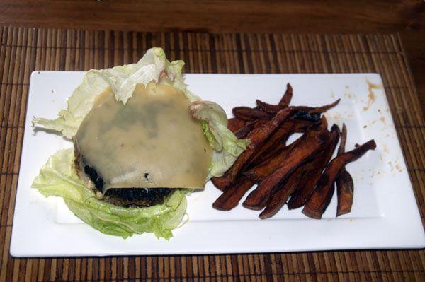Gekruide Hamburgers met zoete aardappel frieten | Goed en gezond eten