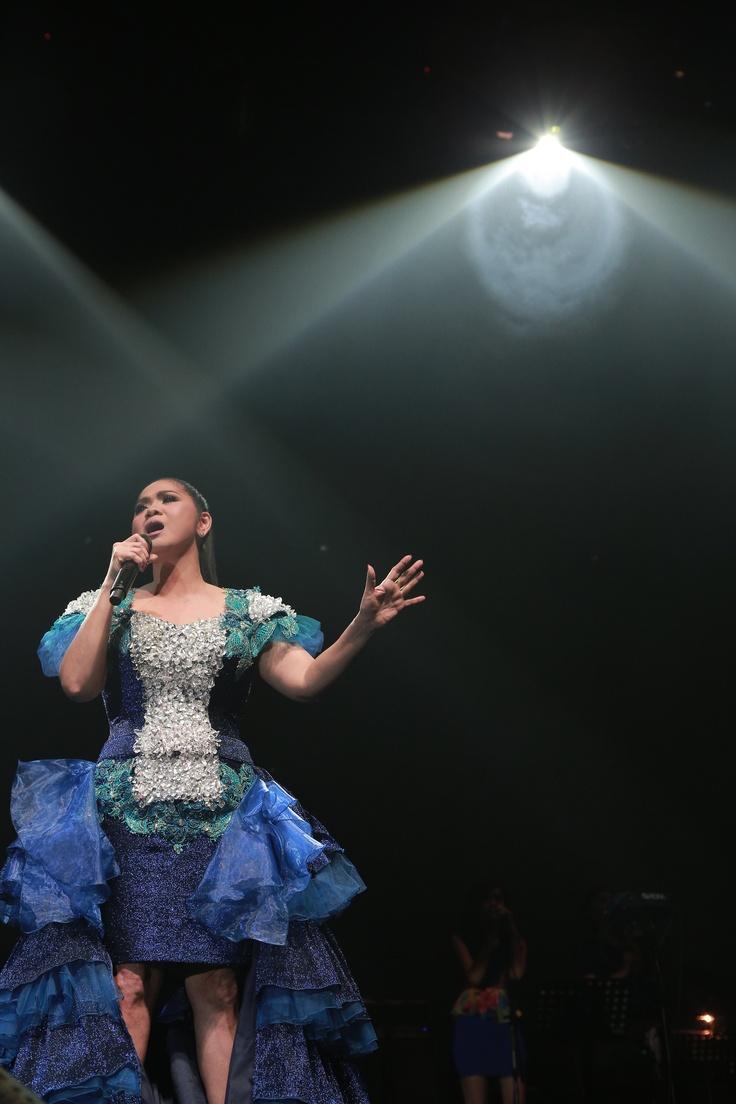 Vina Panduwinata @ Konser Cinta Musik Indonesia, Tennis Indoor Senayan, 4 Mei 2013