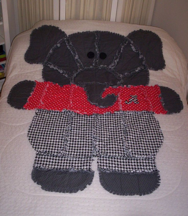 Rag Quilt Animal Patterns : 1000+ images about animal rag quilt on Pinterest Alabama, Fleece throw and Elephant baby
